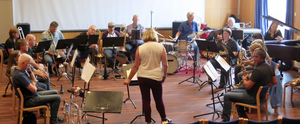 Christine Jensen Big Band i full gang. Foto: Ingrid Ytre-Arne