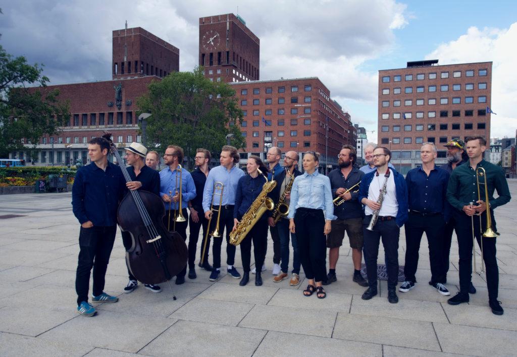 Oslo jazzensemble og Torun Eriksen. Foto: CF Wesenberg